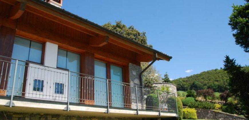 Villa a Dossena, poco distante da San Pellegrino Terme