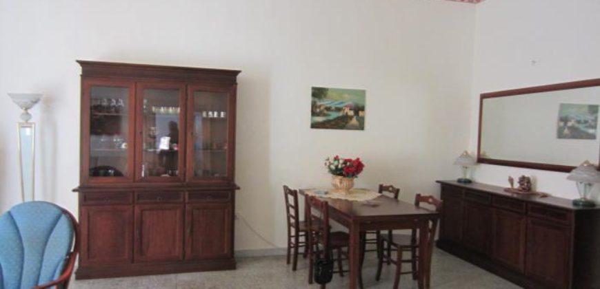 Appartamento di 4 locali in palazzo d'epoca